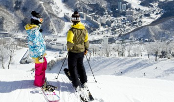 初すべり2018朝発日帰り【苗場スキー場】のスキー・スノボツアー