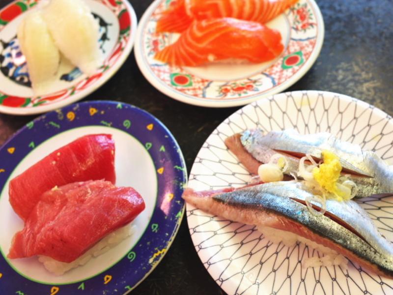 回転寿司食べ放題!