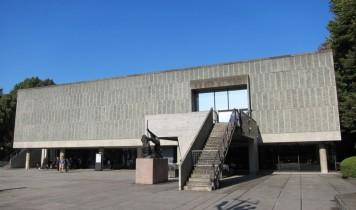 国立西洋美術館と東京スカイツリー