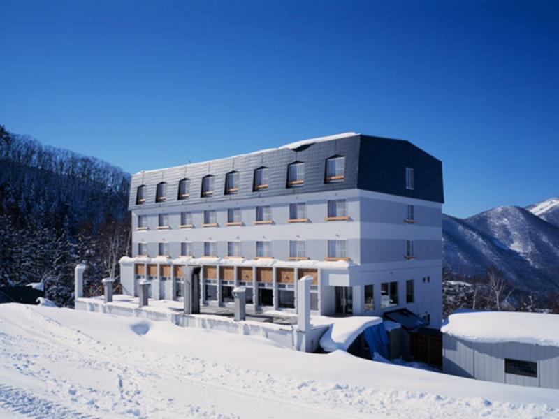 宿の一例:竜王パークホテル