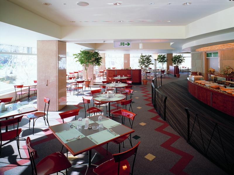 苗場プリンスホテル/食堂一例