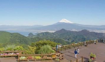"""ロープウェイで行くかつらぎ山山頂""""富士見テラス""""とイチゴ狩り&バイキング(HT)"""