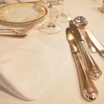 フランス料理のコースディナー(イメージ)